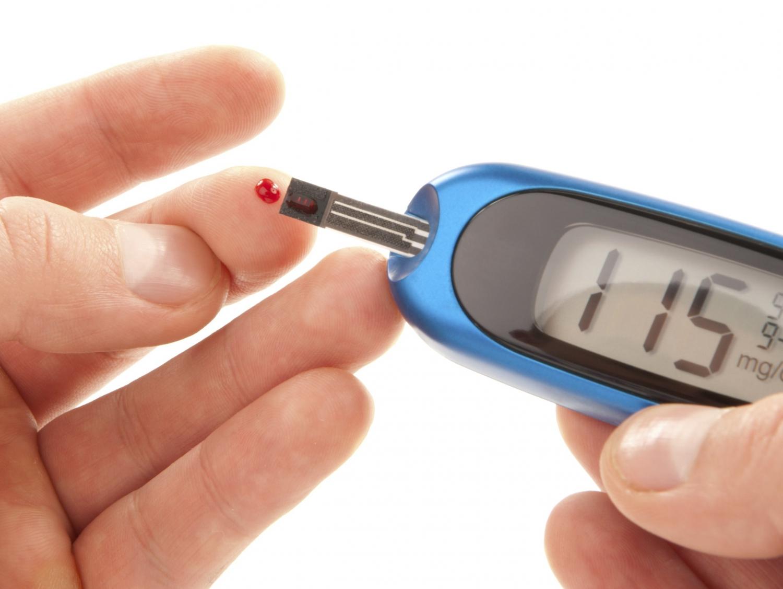 Как определить сахар в крови домашним глюкометром