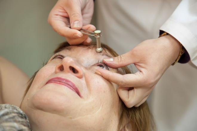диагностика глаукомы - измерение внутриглазного давления